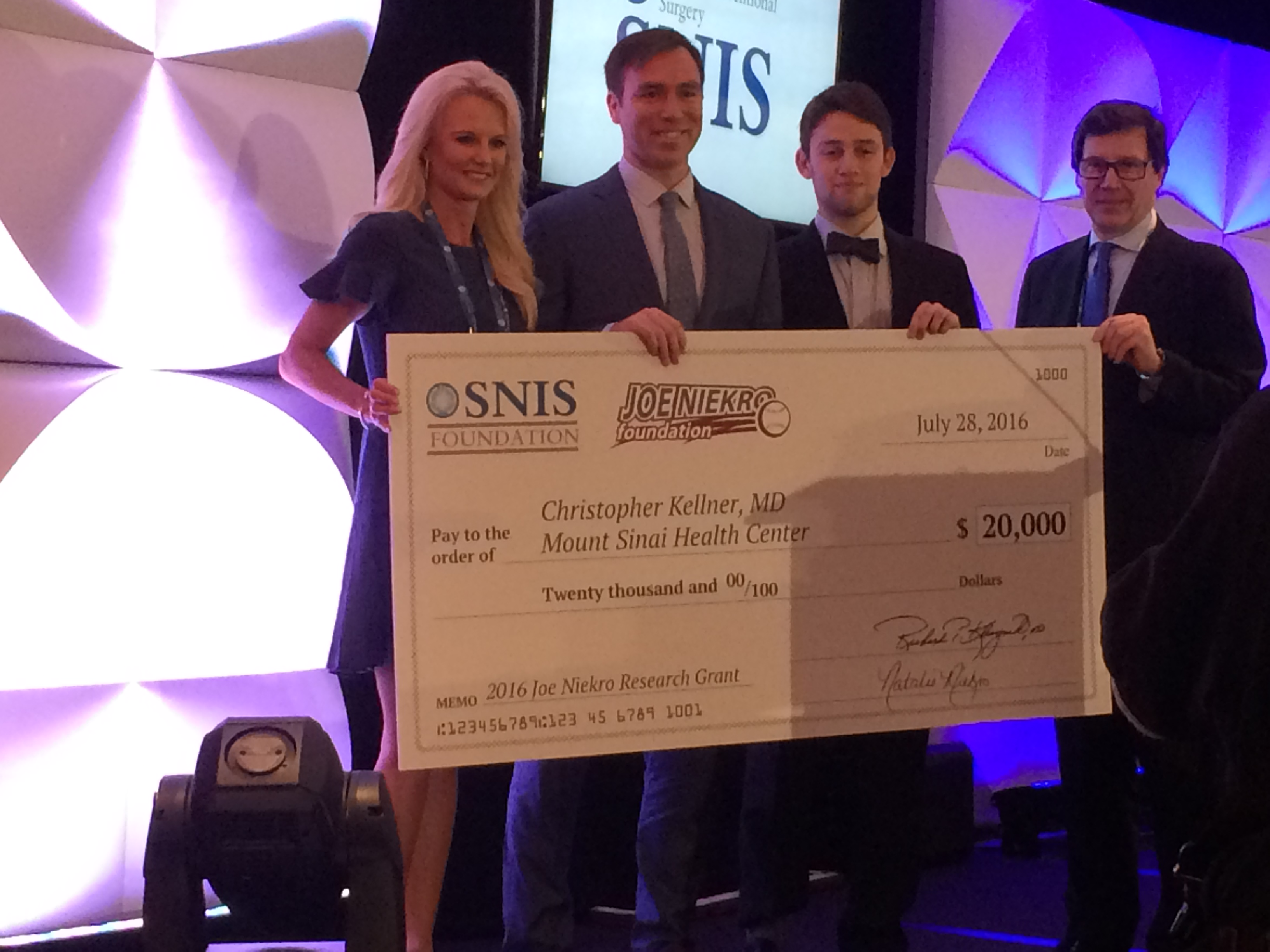 http://www.joeniekrofoundation.com/aneurysms/jnf-awards-three-seed-grants-at-2016-snis-annual-meeting/attachment/img_1050/