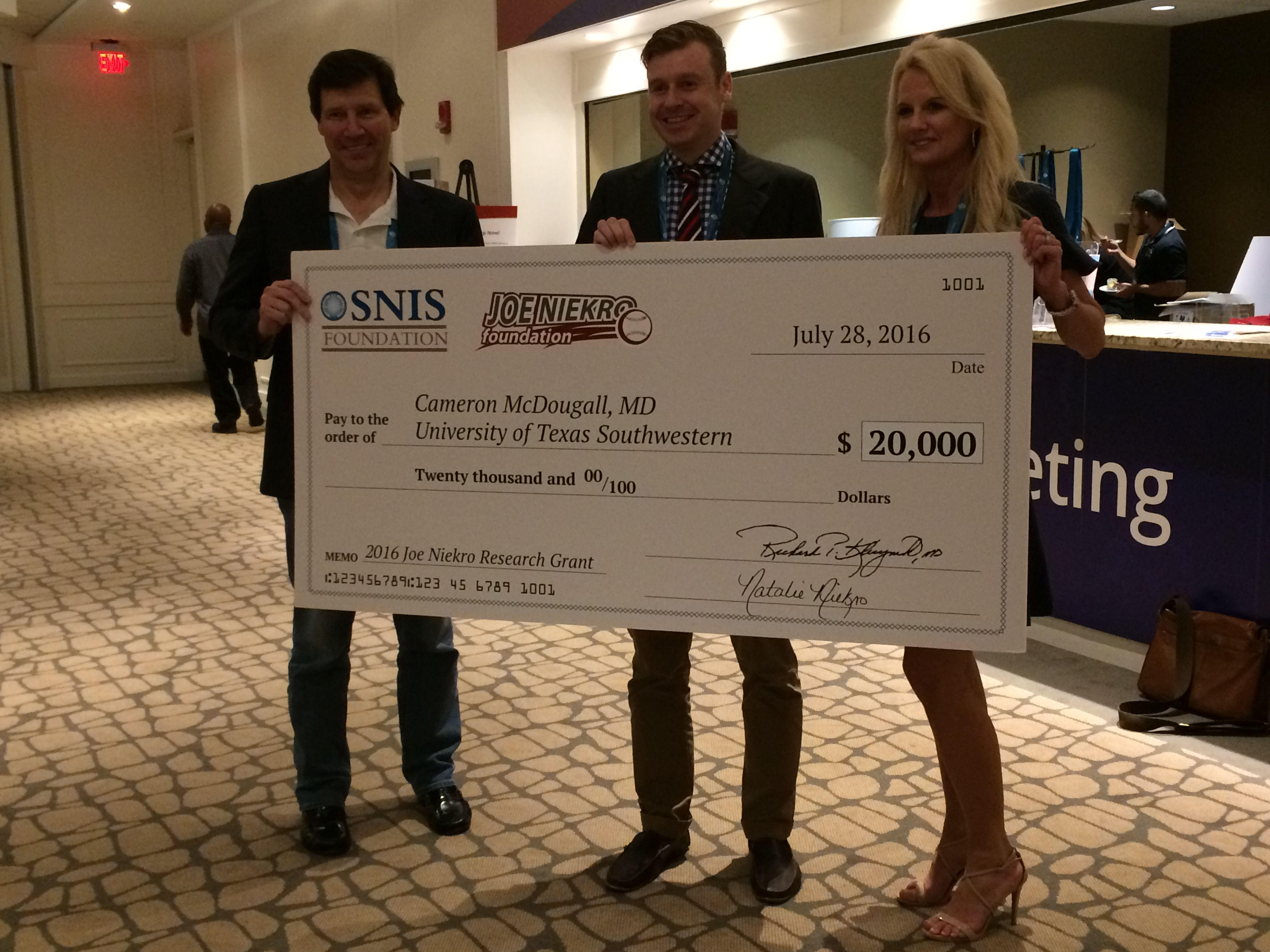http://www.joeniekrofoundation.com/aneurysms/jnf-awards-three-seed-grants-at-2016-snis-annual-meeting/attachment/img_1052/