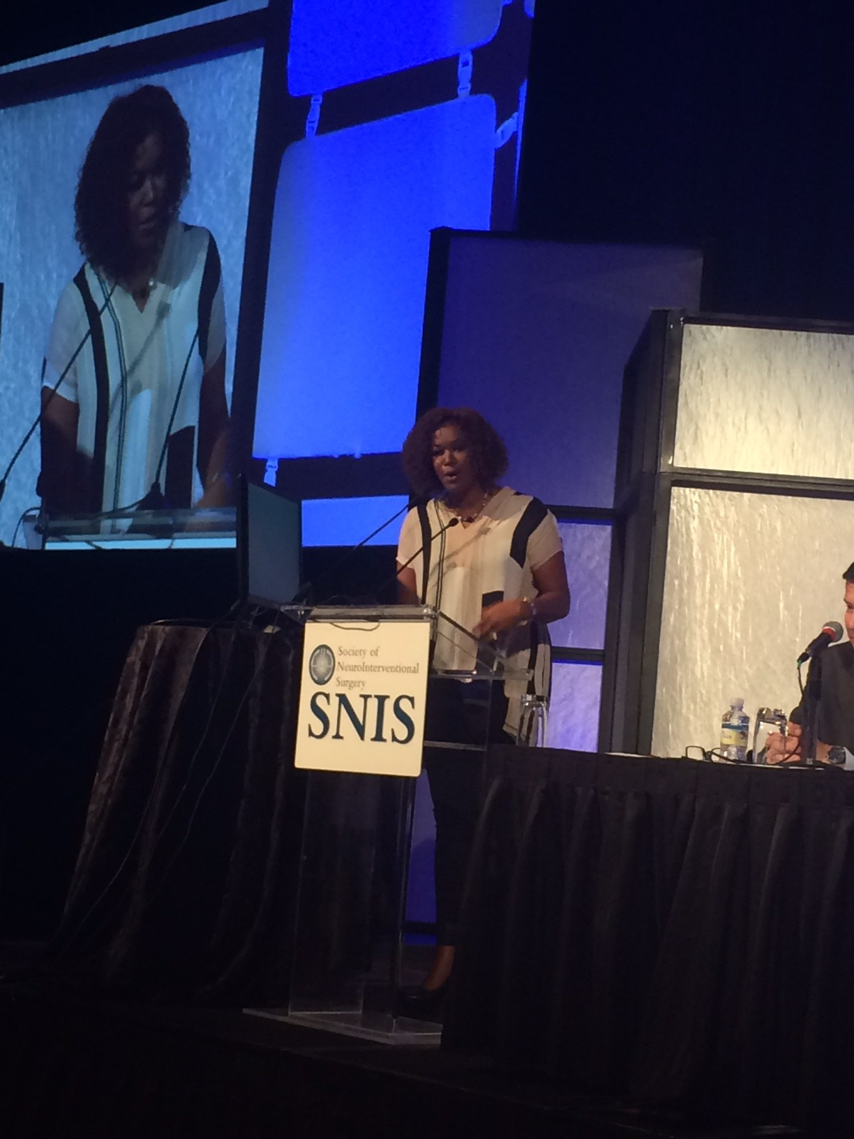https://www.joeniekrofoundation.com/aneurysms/jnf-shines-at-snis-annual-meeting/attachment/deborah/